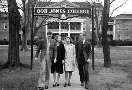 1940circa-cl000198-bjcsign-4students.jpg
